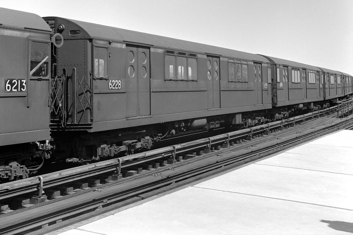 (337k, 1200x800)<br><b>Country:</b> United States<br><b>City:</b> New York<br><b>System:</b> New York City Transit<br><b>Line:</b> IRT Flushing Line<br><b>Location:</b> 103rd Street/Corona Plaza<br><b>Route:</b> 7<br><b>Car:</b> R-15 (American Car & Foundry, 1950) 6228 <br><b>Collection of:</b> David Pirmann<br><b>Date:</b> 4/14/1963<br><b>Viewed (this week/total):</b> 2 / 370