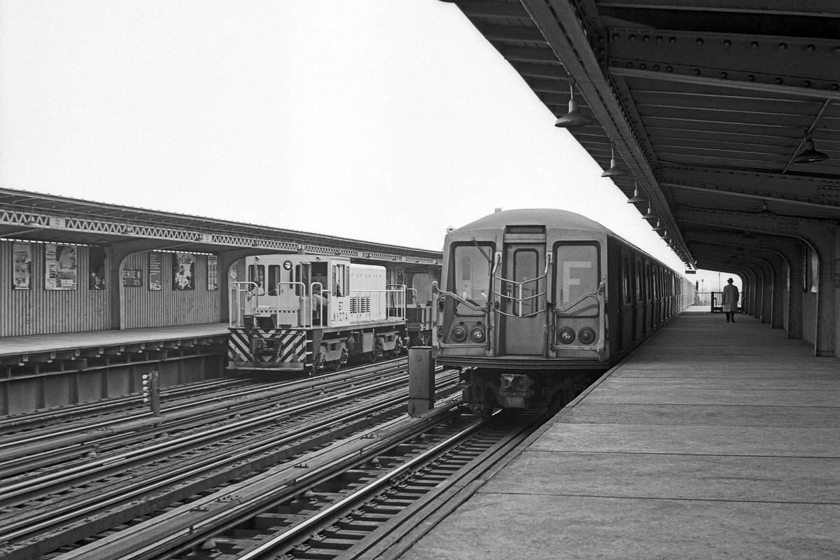 (377k, 1200x800)<br><b>Country:</b> United States<br><b>City:</b> New York<br><b>System:</b> New York City Transit<br><b>Line:</b> BMT Culver Line<br><b>Location:</b> Avenue N<br><b>Route:</b> F<br><b>Car:</b> R-40 (St. Louis, 1968)  <br><b>Collection of:</b> David Pirmann<br><b>Date:</b> 4/17/1969<br><b>Viewed (this week/total):</b> 0 / 556