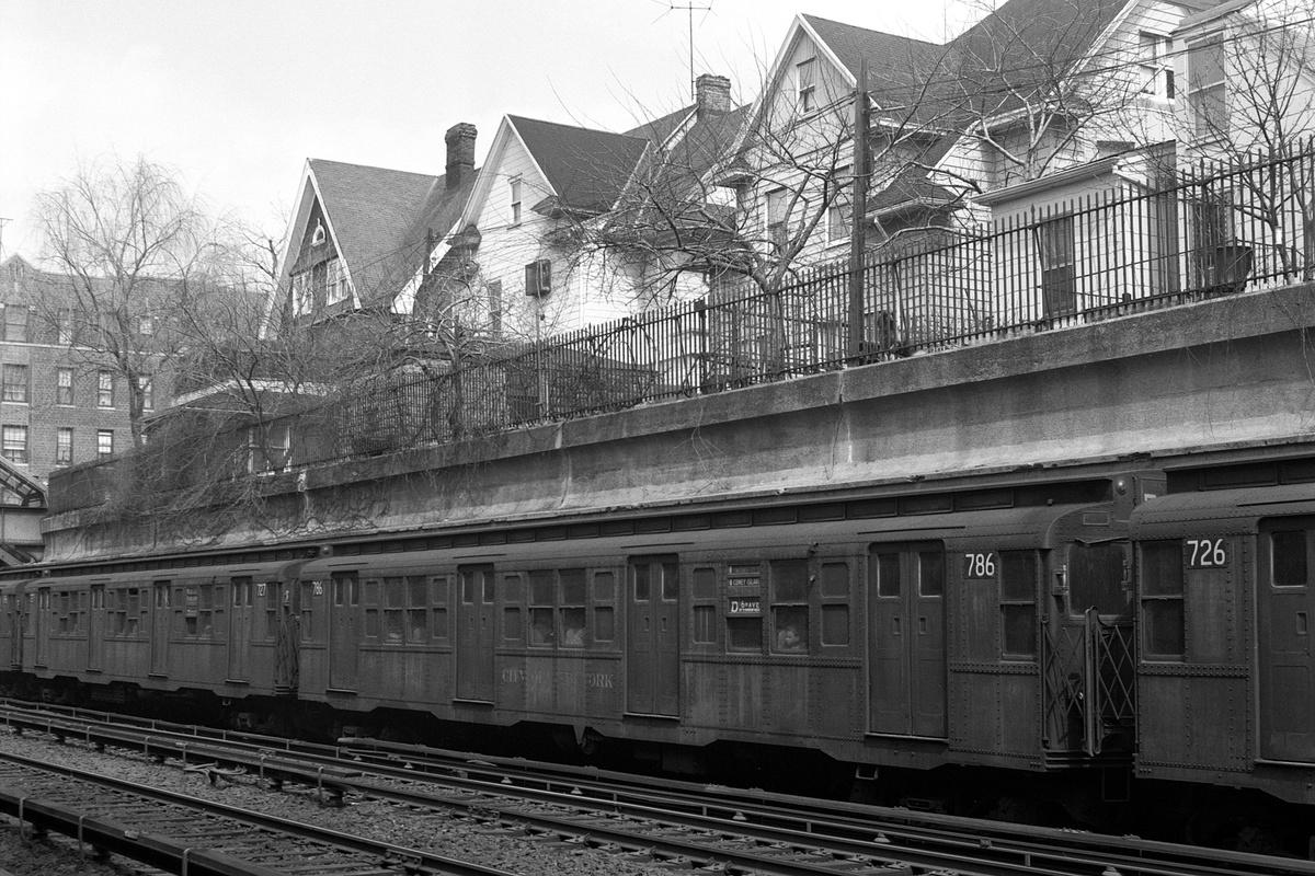 (443k, 1200x800)<br><b>Country:</b> United States<br><b>City:</b> New York<br><b>System:</b> New York City Transit<br><b>Line:</b> BMT Brighton Line<br><b>Location:</b> Beverley Road<br><b>Route:</b> D<br><b>Car:</b> R-4 (American Car & Foundry, 1932-1933) 786 <br><b>Collection of:</b> David Pirmann<br><b>Date:</b> 4/4/1970<br><b>Viewed (this week/total):</b> 1 / 192