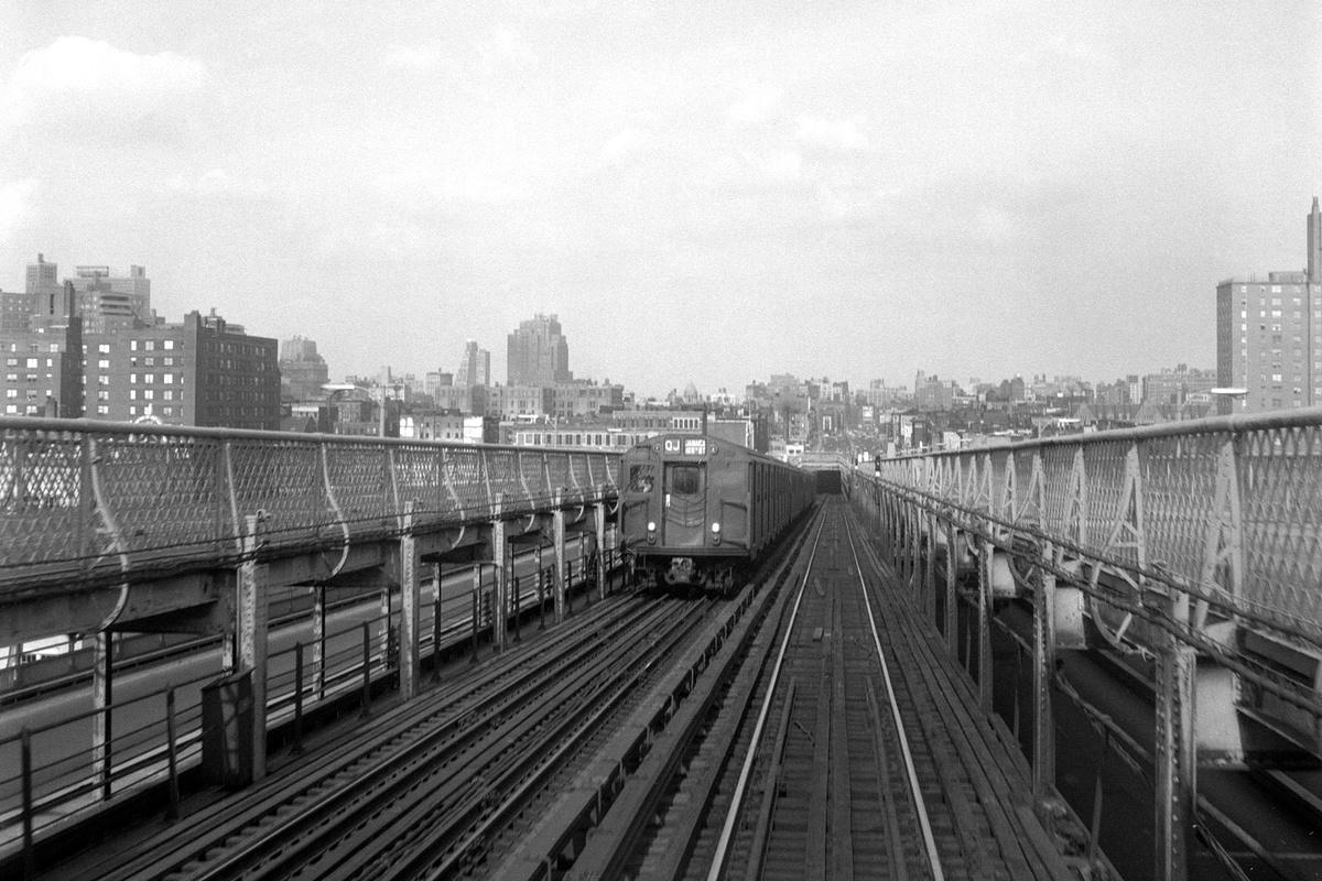 (395k, 1200x800)<br><b>Country:</b> United States<br><b>City:</b> New York<br><b>System:</b> New York City Transit<br><b>Line:</b> BMT Nassau Street-Jamaica Line<br><b>Location:</b> Williamsburg Bridge<br><b>Route:</b> QJ<br><b>Car:</b> R-27/R-30 Series (Number Unknown)  <br><b>Collection of:</b> David Pirmann<br><b>Date:</b> 4/4/1970<br><b>Viewed (this week/total):</b> 2 / 266