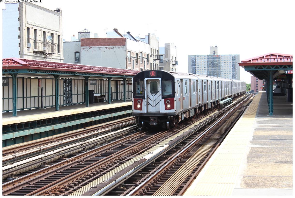 (489k, 1220x820)<br><b>Country:</b> United States<br><b>City:</b> New York<br><b>System:</b> New York City Transit<br><b>Line:</b> IRT Pelham Line<br><b>Location:</b> Elder Avenue<br><b>Route:</b> 6<br><b>Car:</b> R-142A (Option Order, Kawasaki, 2002-2003) 7640 <br><b>Photo by:</b> Jie Wen Li<br><b>Date:</b> 8/7/2015<br><b>Viewed (this week/total):</b> 0 / 232
