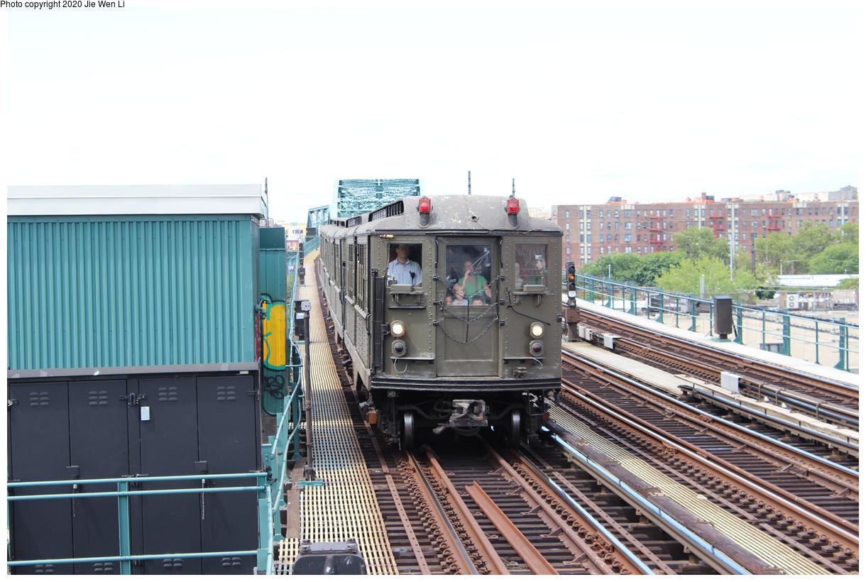 (394k, 1220x820)<br><b>Country:</b> United States<br><b>City:</b> New York<br><b>System:</b> New York City Transit<br><b>Line:</b> IRT Pelham Line<br><b>Location:</b> Elder Avenue<br><b>Route:</b> Museum Train Service<br><b>Car:</b> Low-V (Museum Train) 5443 <br><b>Photo by:</b> Jie Wen Li<br><b>Date:</b> 8/7/2015<br><b>Viewed (this week/total):</b> 0 / 219
