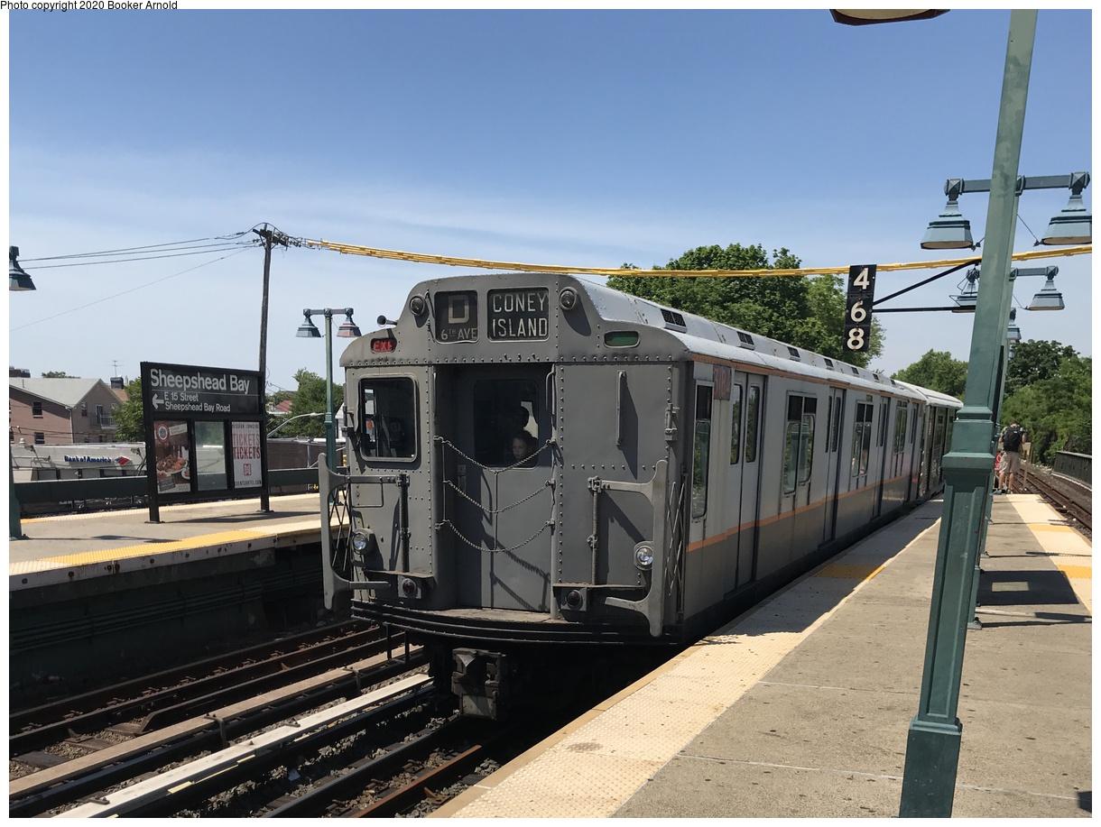 (371k, 1220x917)<br><b>Country:</b> United States<br><b>City:</b> New York<br><b>System:</b> New York City Transit<br><b>Line:</b> BMT Brighton Line<br><b>Location:</b> Sheepshead Bay<br><b>Route:</b> Museum Train Service<br><b>Car:</b> R-10 (American Car & Foundry, 1948) 3184 <br><b>Photo by:</b> Booker Arnold<br><b>Date:</b> 6/17/2018<br><b>Notes:</b> 2018 Parade of Trains service<br><b>Viewed (this week/total):</b> 0 / 535