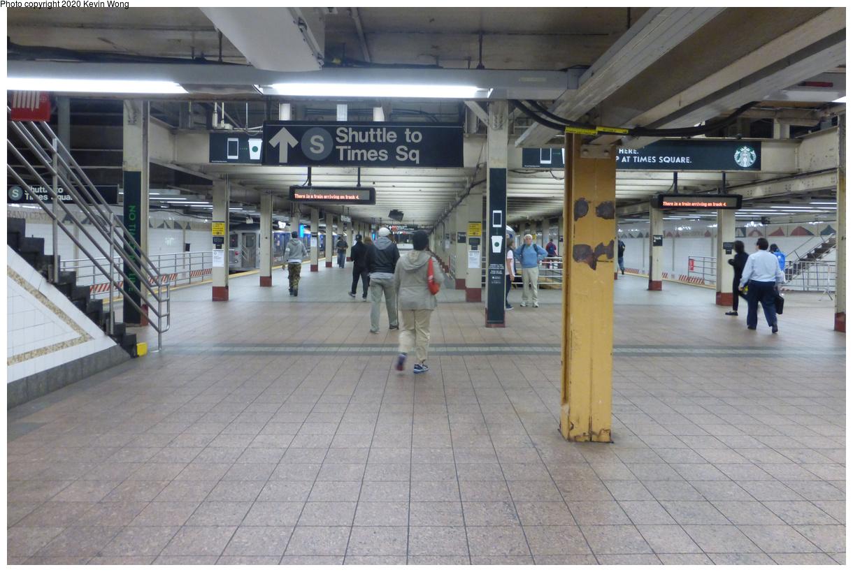 (448k, 1220x819)<br><b>Country:</b> United States<br><b>City:</b> New York<br><b>System:</b> New York City Transit<br><b>Line:</b> IRT Times Square-Grand Central Shuttle<br><b>Location:</b> Grand Central<br><b>Photo by:</b> Kevin Wong<br><b>Date:</b> 10/6/2015<br><b>Viewed (this week/total):</b> 0 / 385