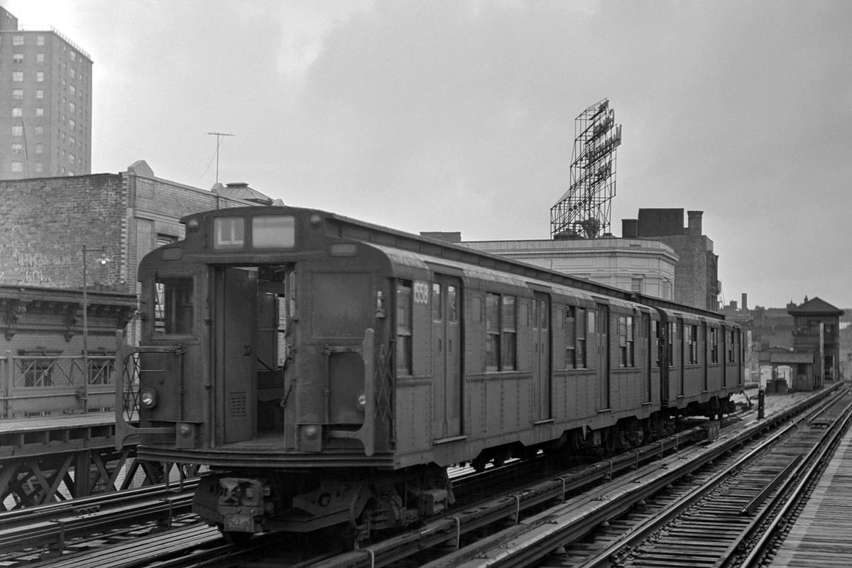 (314k, 1200x800)<br><b>Country:</b> United States<br><b>City:</b> New York<br><b>System:</b> New York City Transit<br><b>Line:</b> BMT Nassau Street-Jamaica Line<br><b>Location:</b> Marcy Avenue<br><b>Route:</b> Layup<br><b>Car:</b> R-7A (Pullman, 1938) 1558 <br><b>Collection of:</b> David Pirmann<br><b>Date:</b> 9/30/1972<br><b>Viewed (this week/total):</b> 0 / 495