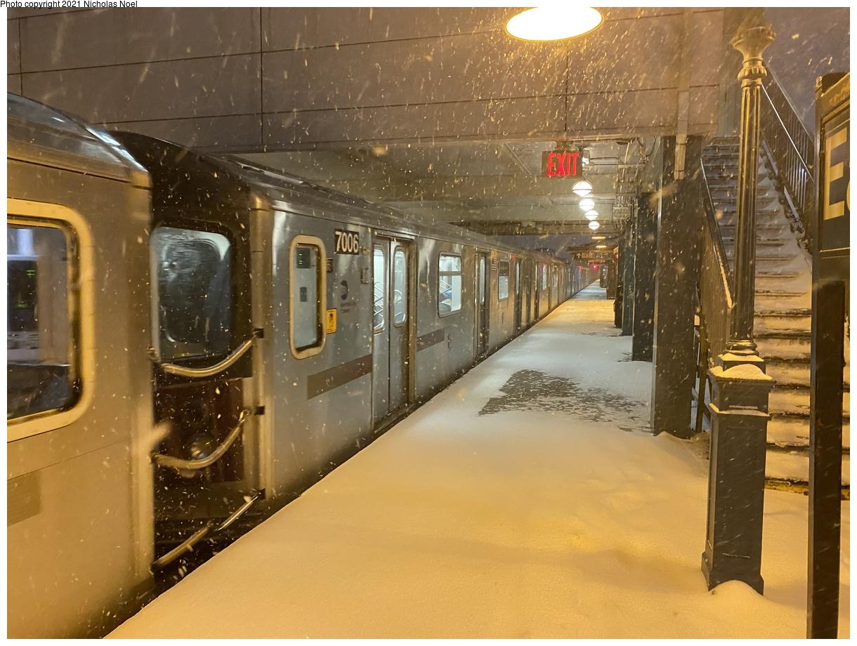 (390k, 1220x920)<br><b>Country:</b> United States<br><b>City:</b> New York<br><b>System:</b> New York City Transit<br><b>Line:</b> IRT White Plains Road Line<br><b>Location:</b> East 180th Street<br><b>Car:</b> R-142 (Option Order, Bombardier, 2002-2003) 7006 <br><b>Photo by:</b> Nicholas Noel<br><b>Date:</b> 12/16/2020<br><b>Viewed (this week/total):</b> 2 / 454