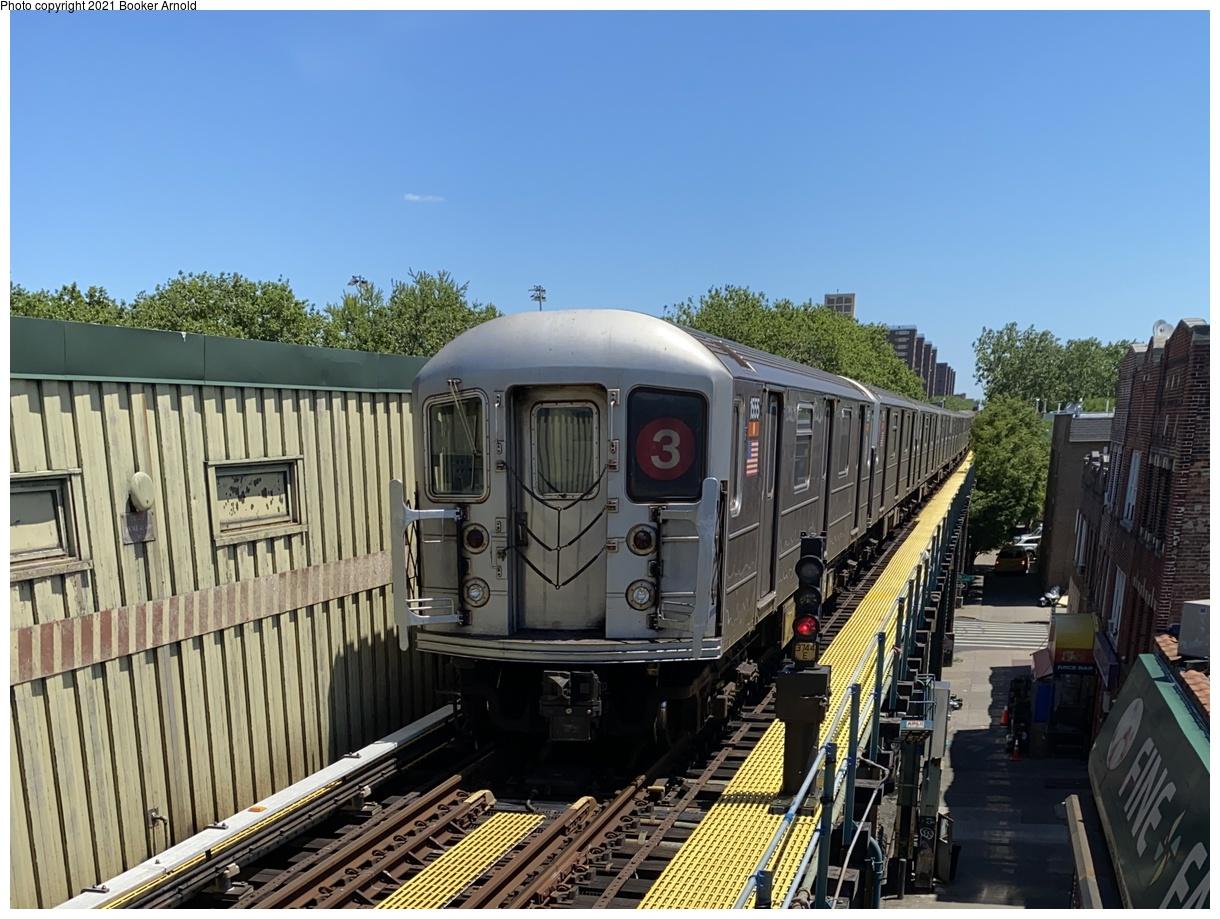 (381k, 1220x919)<br><b>Country:</b> United States<br><b>City:</b> New York<br><b>System:</b> New York City Transit<br><b>Line:</b> IRT Brooklyn Line<br><b>Location:</b> Saratoga Avenue<br><b>Route:</b> 3<br><b>Car:</b> R-62 (Kawasaki, 1983-1985) 1555 <br><b>Photo by:</b> Booker Arnold<br><b>Date:</b> 6/8/2020<br><b>Viewed (this week/total):</b> 5 / 400