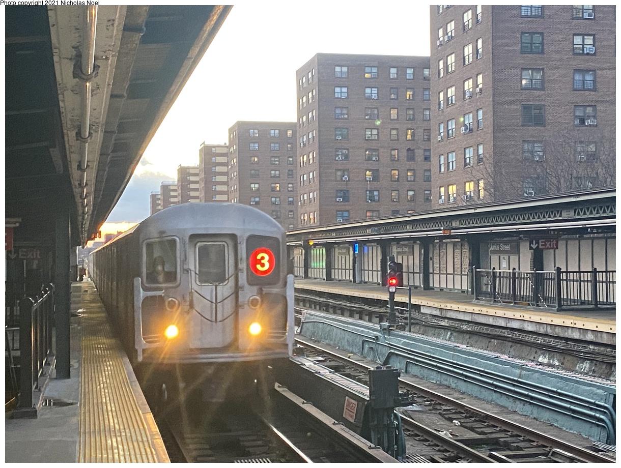 (445k, 1220x920)<br><b>Country:</b> United States<br><b>City:</b> New York<br><b>System:</b> New York City Transit<br><b>Line:</b> IRT Brooklyn Line<br><b>Location:</b> Junius Street<br><b>Route:</b> 3<br><b>Car:</b> R-62 (Kawasaki, 1983-1985)  <br><b>Photo by:</b> Nicholas Noel<br><b>Date:</b> 3/1/2021<br><b>Viewed (this week/total):</b> 0 / 132