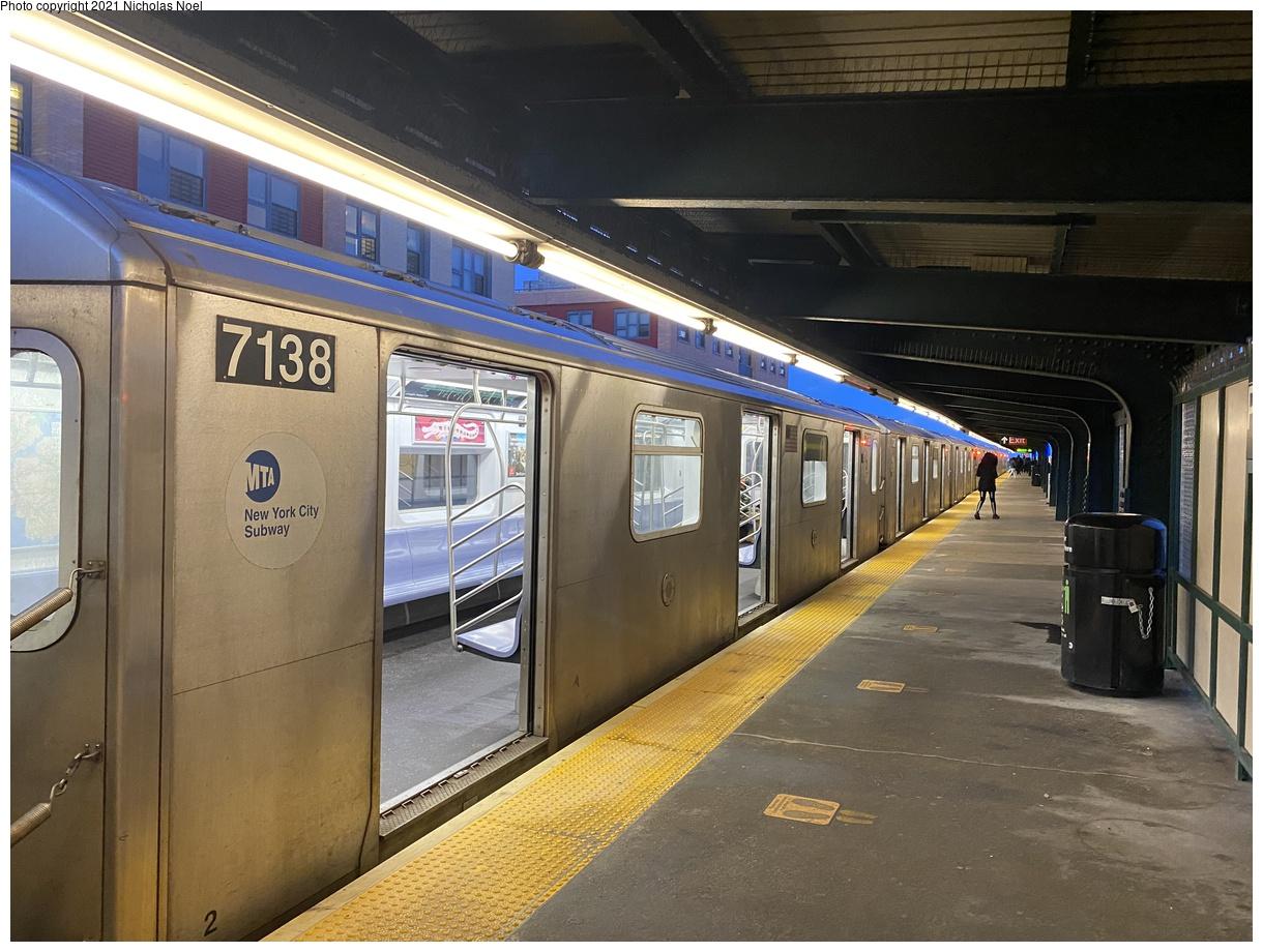 (406k, 1220x920)<br><b>Country:</b> United States<br><b>City:</b> New York<br><b>System:</b> New York City Transit<br><b>Line:</b> IRT Brooklyn Line<br><b>Location:</b> Junius Street<br><b>Route:</b> 4<br><b>Car:</b> R-142 (Option Order, Bombardier, 2002-2003) 7138 <br><b>Photo by:</b> Nicholas Noel<br><b>Date:</b> 3/1/2021<br><b>Viewed (this week/total):</b> 0 / 157