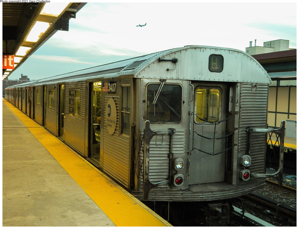 (575k, 1220x935)<br><b>Country:</b> United States<br><b>City:</b> New York<br><b>System:</b> New York City Transit<br><b>Line:</b> IND Rockaway Line<br><b>Location:</b> Beach 90th Street/Holland<br><b>Route:</b> H<br><b>Car:</b> R-32 (Budd, 1964) 3407 <br><b>Photo by:</b> Gary Chatterton<br><b>Date:</b> 12/12/2012<br><b>Notes:</b> H-Hurricane Sandy Shuttle<br><b>Viewed (this week/total):</b> 0 / 198