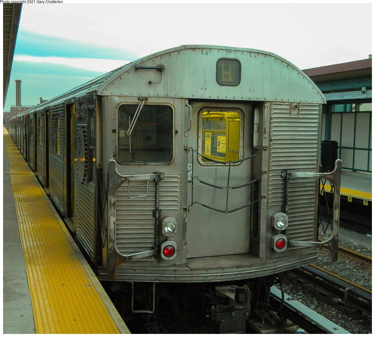 (663k, 1220x1097)<br><b>Country:</b> United States<br><b>City:</b> New York<br><b>System:</b> New York City Transit<br><b>Line:</b> IND Rockaway Line<br><b>Location:</b> Beach 90th Street/Holland<br><b>Route:</b> H<br><b>Car:</b> R-32 (Budd, 1964) 3407 <br><b>Photo by:</b> Gary Chatterton<br><b>Date:</b> 12/12/2012<br><b>Notes:</b> H-Hurricane Sandy Shuttle<br><b>Viewed (this week/total):</b> 0 / 175