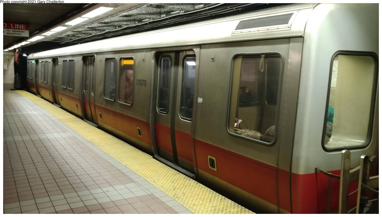 (240k, 1220x695)<br><b>Country:</b> United States<br><b>City:</b> Boston, MA<br><b>System:</b> MBTA<br><b>Line:</b> MBTA Red Line<br><b>Location:</b> South Station<br><b>Car:</b> MBTA 01800 Series (Bombardier, 1993-1994) 01878 <br><b>Photo by:</b> Gary Chatterton<br><b>Date:</b> 4/26/2018<br><b>Viewed (this week/total):</b> 4 / 39