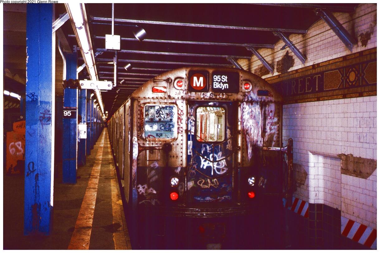 (409k, 1220x811)<br><b>Country:</b> United States<br><b>City:</b> New York<br><b>System:</b> New York City Transit<br><b>Line:</b> BMT 4th Avenue Line<br><b>Location:</b> 95th Street/Fort Hamilton<br><b>Route:</b> M reroute<br><b>Car:</b> R-27 (St. Louis, 1960) 8123 <br><b>Photo by:</b> Glenn L. Rowe<br><b>Date:</b> 9/21/1988<br><b>Viewed (this week/total):</b> 0 / 526