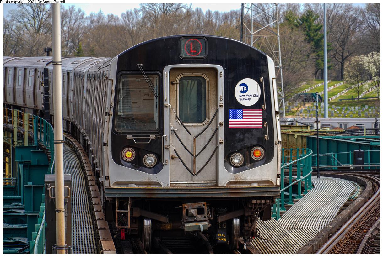 (673k, 1220x820)<br><b>Country:</b> United States<br><b>City:</b> New York<br><b>System:</b> New York City Transit<br><b>Line:</b> BMT Canarsie Line<br><b>Location:</b> Atlantic Avenue<br><b>Route:</b> L<br><b>Car:</b> R-143 (Kawasaki, 2001-2002)  <br><b>Photo by:</b> DeAndre Burrell<br><b>Date:</b> 4/9/2021<br><b>Viewed (this week/total):</b> 1 / 356