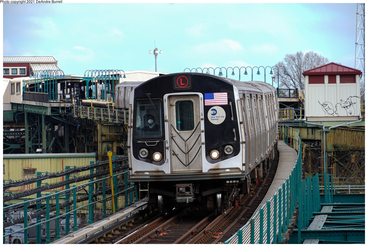 (616k, 1220x820)<br><b>Country:</b> United States<br><b>City:</b> New York<br><b>System:</b> New York City Transit<br><b>Line:</b> BMT Canarsie Line<br><b>Location:</b> Atlantic Avenue<br><b>Route:</b> L<br><b>Car:</b> R-160A/R-160B Series (Number Unknown)  <br><b>Photo by:</b> DeAndre Burrell<br><b>Date:</b> 4/9/2021<br><b>Viewed (this week/total):</b> 9 / 139