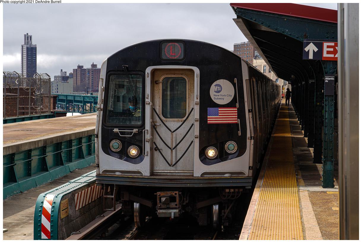 (520k, 1220x820)<br><b>Country:</b> United States<br><b>City:</b> New York<br><b>System:</b> New York City Transit<br><b>Line:</b> BMT Canarsie Line<br><b>Location:</b> Atlantic Avenue<br><b>Route:</b> L<br><b>Car:</b> R-143 (Kawasaki, 2001-2002)  <br><b>Photo by:</b> DeAndre Burrell<br><b>Date:</b> 4/9/2021<br><b>Viewed (this week/total):</b> 8 / 137