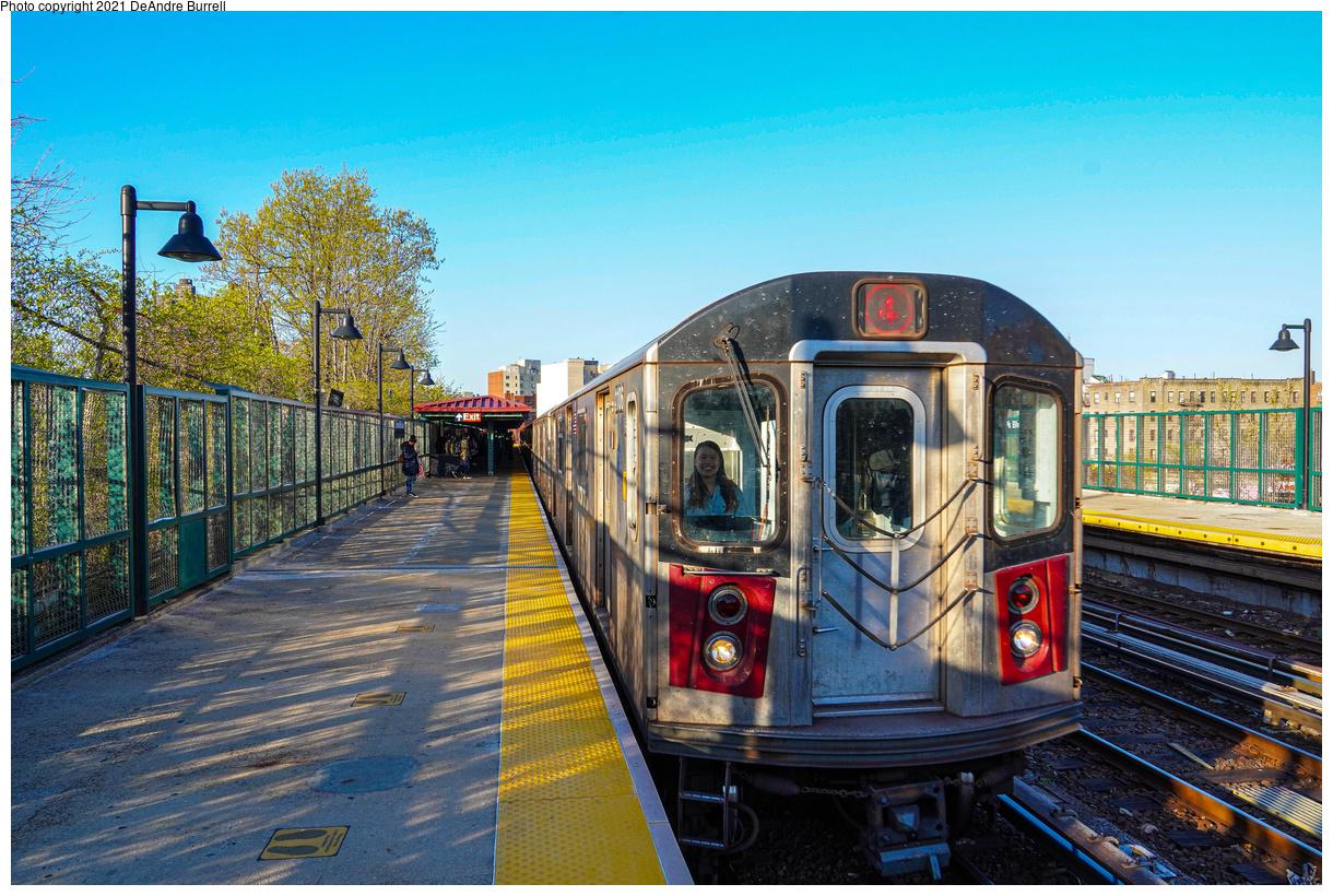 (667k, 1220x820)<br><b>Country:</b> United States<br><b>City:</b> New York<br><b>System:</b> New York City Transit<br><b>Line:</b> IRT Woodlawn Line<br><b>Location:</b> Bedford Park Boulevard<br><b>Route:</b> 4<br><b>Car:</b> R-142 (Primary Order, Bombardier, 1999-2002) 1106 <br><b>Photo by:</b> DeAndre Burrell<br><b>Date:</b> 4/23/2021<br><b>Viewed (this week/total):</b> 14 / 348