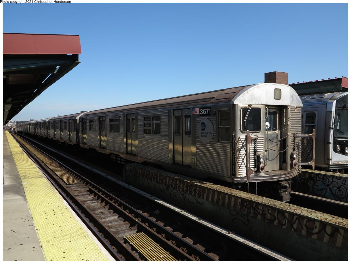 (373k, 1220x920)<br><b>Country:</b> United States<br><b>City:</b> New York<br><b>System:</b> New York City Transit<br><b>Line:</b> BMT Nassau Street-Jamaica Line<br><b>Location:</b> Chauncey Street<br><b>Route:</b> Z<br><b>Car:</b> R-32 (Budd, 1964) 3671 <br><b>Photo by:</b> Christopher Henderson<br><b>Date:</b> 7/2/2020<br><b>Viewed (this week/total):</b> 3 / 99