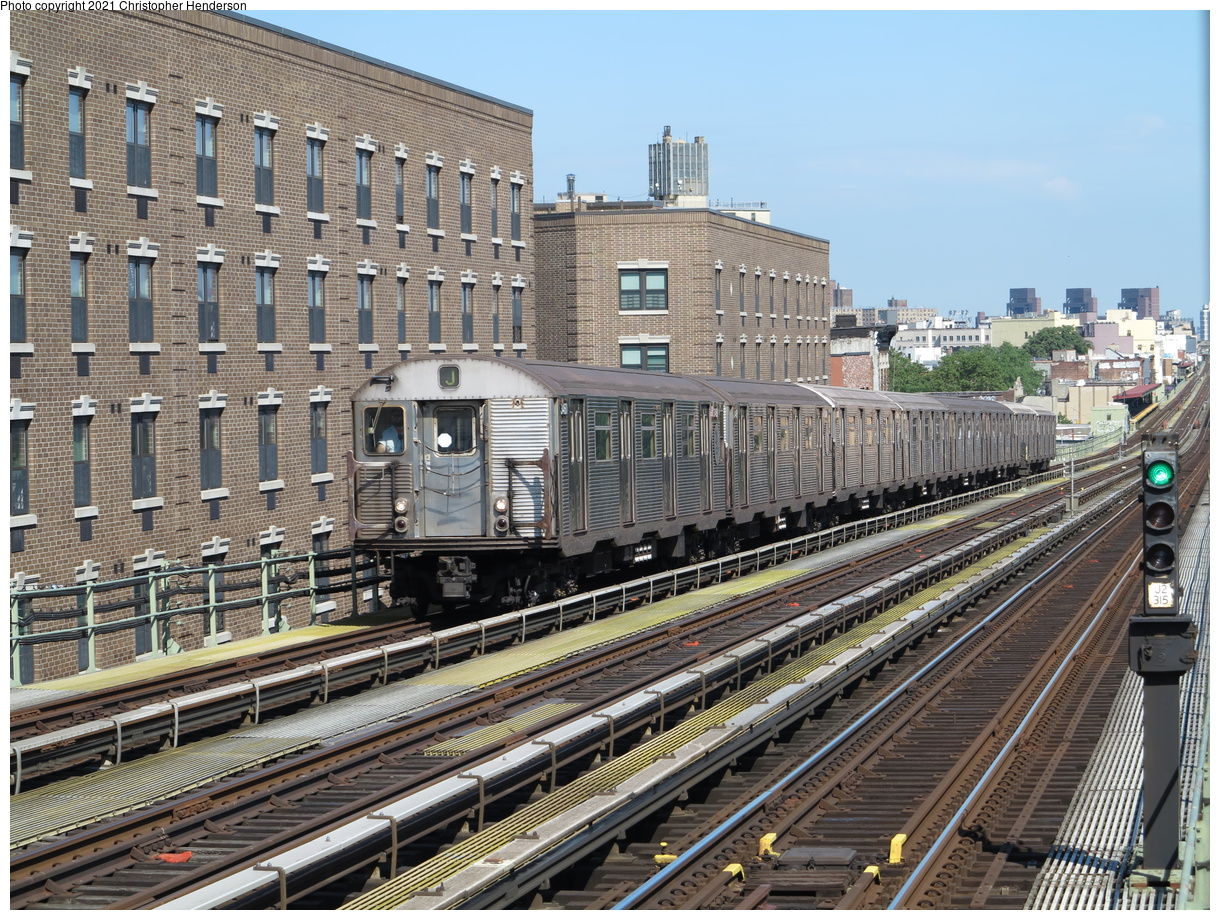 (591k, 1220x920)<br><b>Country:</b> United States<br><b>City:</b> New York<br><b>System:</b> New York City Transit<br><b>Line:</b> BMT Nassau Street-Jamaica Line<br><b>Location:</b> Chauncey Street<br><b>Route:</b> J<br><b>Car:</b> R-32 (Budd, 1964) 3460 <br><b>Photo by:</b> Christopher Henderson<br><b>Date:</b> 7/2/2020<br><b>Viewed (this week/total):</b> 17 / 66