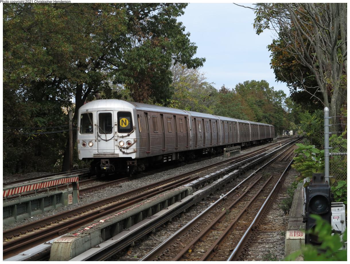 (601k, 1220x920)<br><b>Country:</b> United States<br><b>City:</b> New York<br><b>System:</b> New York City Transit<br><b>Line:</b> BMT Brighton Line<br><b>Location:</b> Avenue M<br><b>Route:</b> Q<br><b>Car:</b> R-46 (Pullman-Standard, 1974-75) 5704 <br><b>Photo by:</b> Christopher Henderson<br><b>Date:</b> 10/25/2020<br><b>Viewed (this week/total):</b> 1 / 99