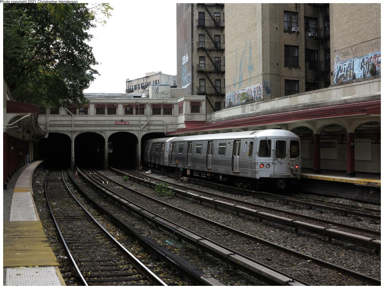 (546k, 1220x920)<br><b>Country:</b> United States<br><b>City:</b> New York<br><b>System:</b> New York City Transit<br><b>Line:</b> BMT Brighton Line<br><b>Location:</b> Parkside Avenue<br><b>Route:</b> Q<br><b>Car:</b> R-46 (Pullman-Standard, 1974-75) 5566 <br><b>Photo by:</b> Christopher Henderson<br><b>Date:</b> 10/25/2020<br><b>Viewed (this week/total):</b> 9 / 45