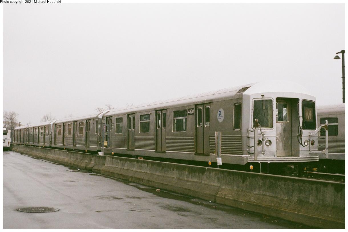 (300k, 1220x816)<br><b>Country:</b> United States<br><b>City:</b> New York<br><b>System:</b> New York City Transit<br><b>Location:</b> Fresh Pond Yard<br><b>Car:</b> R-42 (St. Louis, 1969-1970) 4828 <br><b>Photo by:</b> Michael Hodurski<br><b>Date:</b> 4/2018<br><b>Viewed (this week/total):</b> 0 / 139