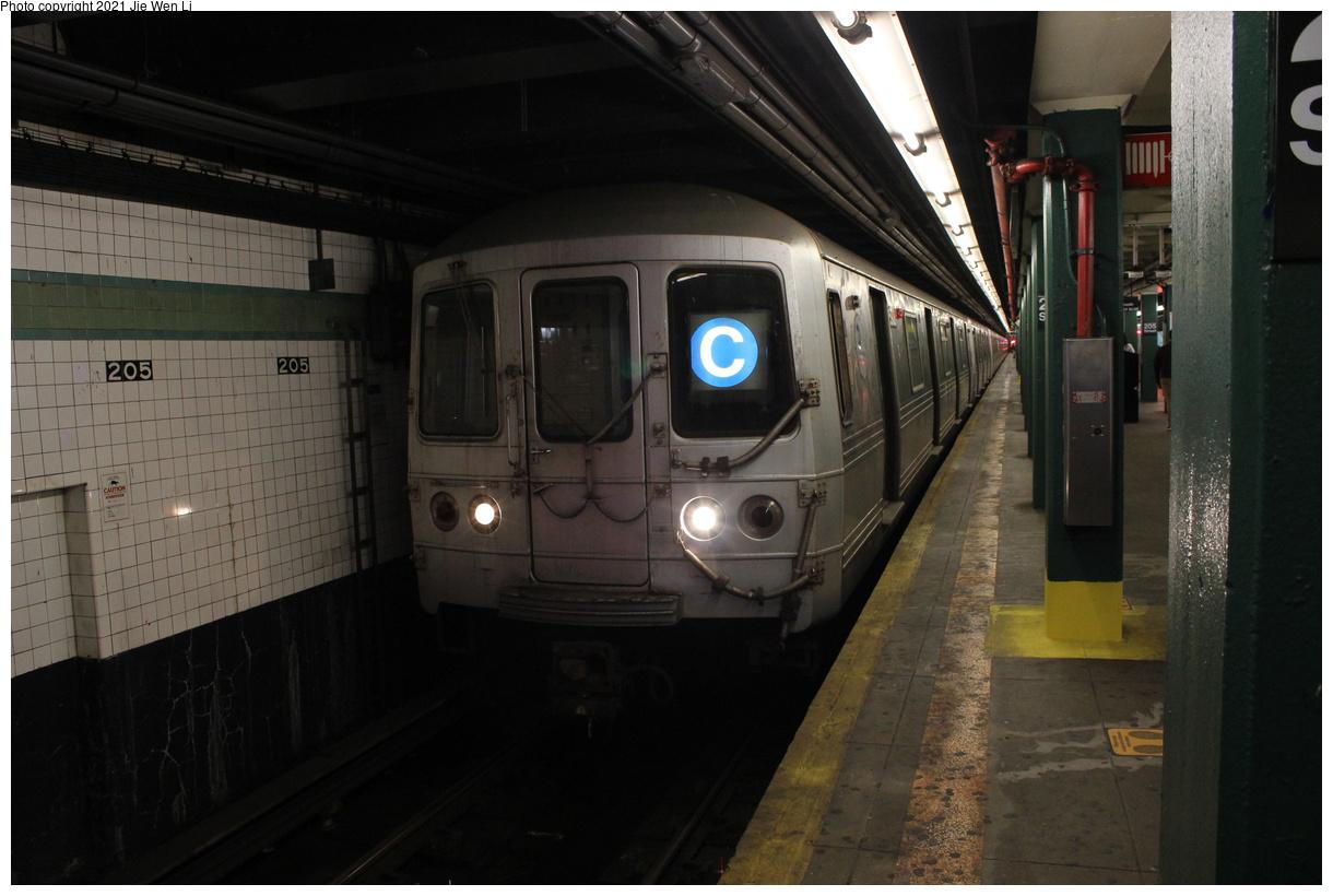 (325k, 1220x820)<br><b>Country:</b> United States<br><b>City:</b> New York<br><b>System:</b> New York City Transit<br><b>Line:</b> IND Concourse Line<br><b>Location:</b> 205th Street<br><b>Route:</b> C<br><b>Car:</b> R-46 (Pullman-Standard, 1974-75) 5908 <br><b>Photo by:</b> Jie Wen Li<br><b>Date:</b> 4/17/2021<br><b>Notes:</b> Reroute to Norwood-205 St.<br><b>Viewed (this week/total):</b> 1 / 43