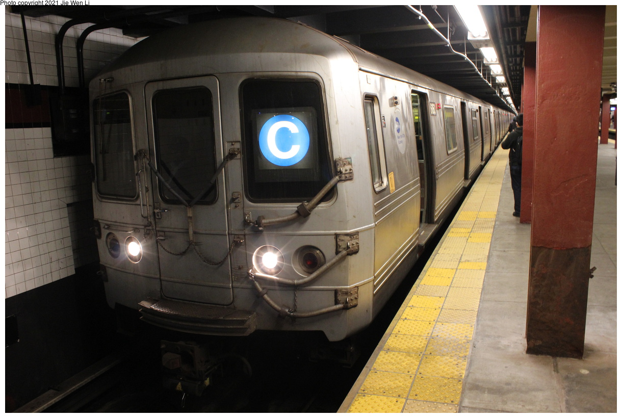 (349k, 1220x820)<br><b>Country:</b> United States<br><b>City:</b> New York<br><b>System:</b> New York City Transit<br><b>Line:</b> IND Concourse Line<br><b>Location:</b> Tremont Avenue<br><b>Route:</b> C<br><b>Car:</b> R-46 (Pullman-Standard, 1974-75) 6160 <br><b>Photo by:</b> Jie Wen Li<br><b>Date:</b> 4/17/2021<br><b>Notes:</b> Reroute to Norwood-205 St.<br><b>Viewed (this week/total):</b> 2 / 41