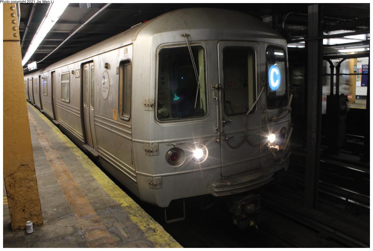 (328k, 1220x820)<br><b>Country:</b> United States<br><b>City:</b> New York<br><b>System:</b> New York City Transit<br><b>Line:</b> IND Concourse Line<br><b>Location:</b> 170th Street<br><b>Route:</b> C<br><b>Car:</b> R-46 (Pullman-Standard, 1974-75) 6124 <br><b>Photo by:</b> Jie Wen Li<br><b>Date:</b> 4/17/2021<br><b>Notes:</b> Reroute to Norwood-205 St.<br><b>Viewed (this week/total):</b> 1 / 56