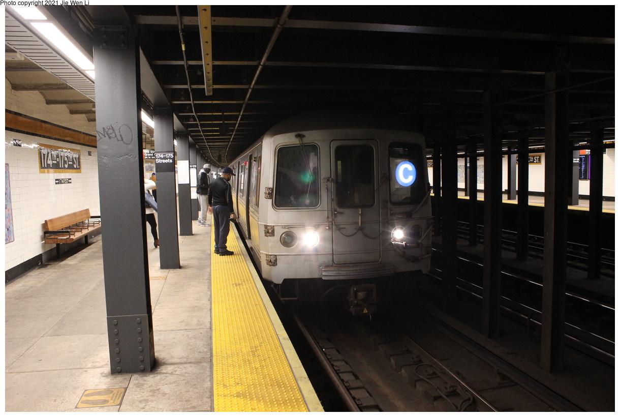 (346k, 1220x820)<br><b>Country:</b> United States<br><b>City:</b> New York<br><b>System:</b> New York City Transit<br><b>Line:</b> IND Concourse Line<br><b>Location:</b> 174th/175th Street<br><b>Route:</b> C<br><b>Car:</b> R-46 (Pullman-Standard, 1974-75) 6018 <br><b>Photo by:</b> Jie Wen Li<br><b>Date:</b> 4/18/2021<br><b>Notes:</b> Reroute to Norwood-205 St.<br><b>Viewed (this week/total):</b> 1 / 71