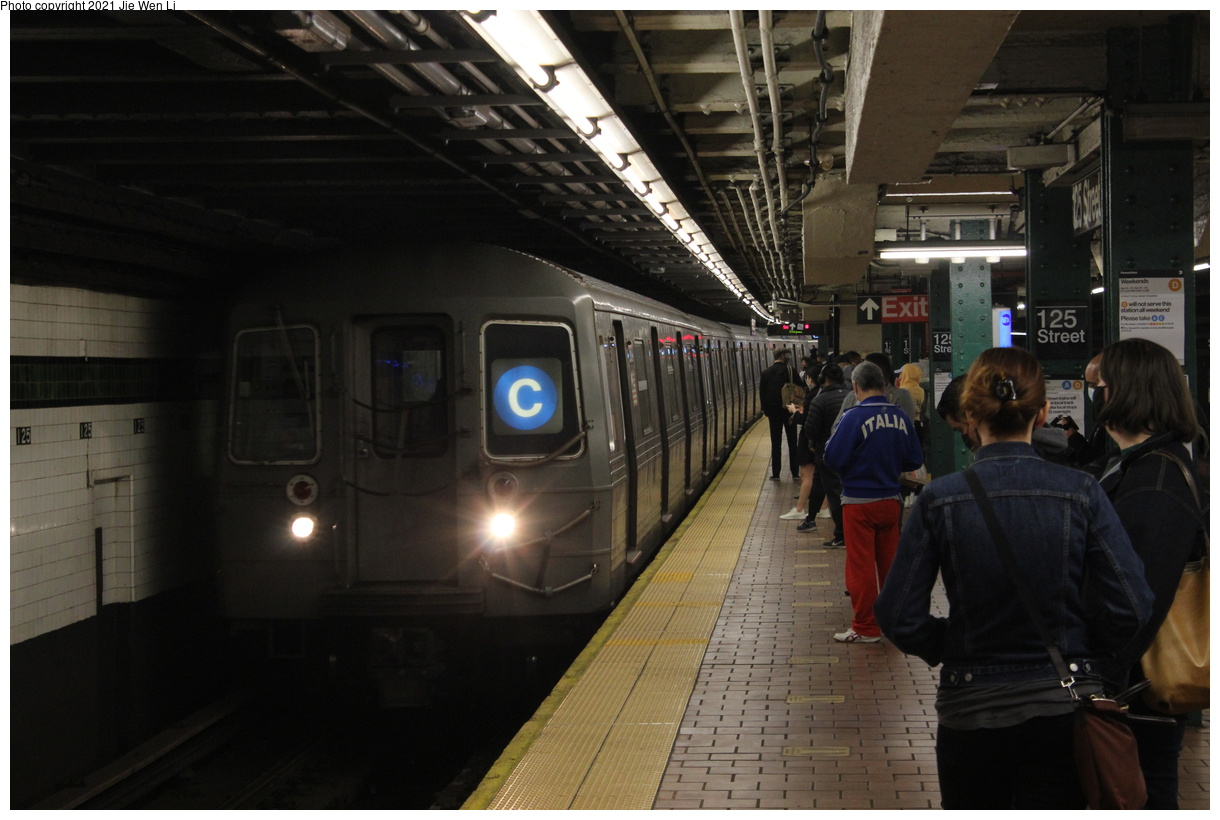 (332k, 1220x820)<br><b>Country:</b> United States<br><b>City:</b> New York<br><b>System:</b> New York City Transit<br><b>Line:</b> IND 8th Avenue Line<br><b>Location:</b> 125th Street<br><b>Route:</b> C<br><b>Car:</b> R-68 (Westinghouse-Amrail, 1986-1988) 2660 <br><b>Photo by:</b> Jie Wen Li<br><b>Date:</b> 4/18/2021<br><b>Notes:</b> Borrowed from the D line due to the C being rerouted to Norwood-205 St.<br><b>Viewed (this week/total):</b> 3 / 58