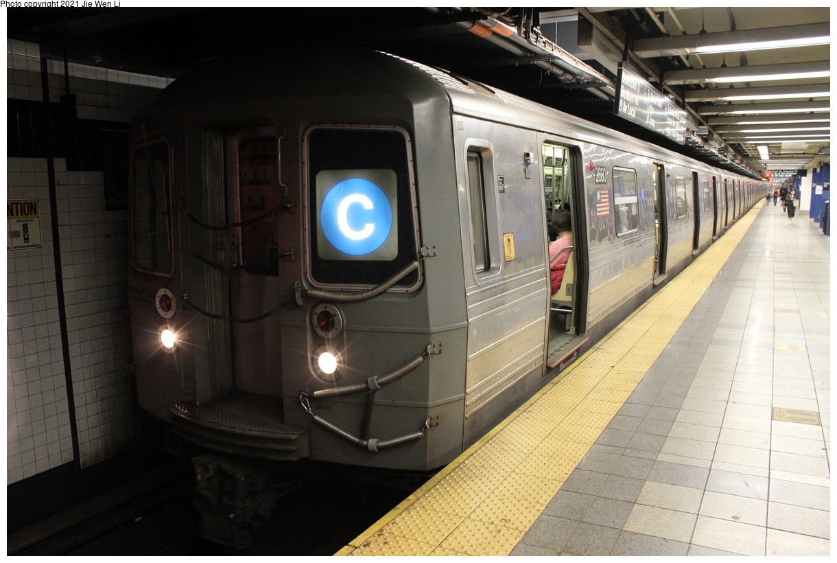 (374k, 1220x820)<br><b>Country:</b> United States<br><b>City:</b> New York<br><b>System:</b> New York City Transit<br><b>Line:</b> IND 8th Avenue Line<br><b>Location:</b> Canal Street-Holland Tunnel<br><b>Route:</b> C<br><b>Car:</b> R-68 (Westinghouse-Amrail, 1986-1988) 2660 <br><b>Photo by:</b> Jie Wen Li<br><b>Date:</b> 4/18/2021<br><b>Notes:</b> Borrowed from the D line due to the C being rerouted to Norwood-205 St.<br><b>Viewed (this week/total):</b> 3 / 56