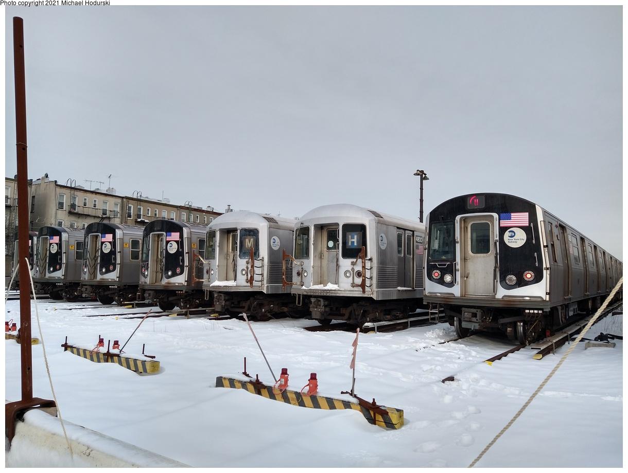 (449k, 1220x920)<br><b>Country:</b> United States<br><b>City:</b> New York<br><b>System:</b> New York City Transit<br><b>Location:</b> Fresh Pond Yard<br><b>Photo by:</b> Michael Hodurski<br><b>Date:</b> 12/19/2020<br><b>Notes:</b> Line up of R-42s and new tech trains<br><b>Viewed (this week/total):</b> 1 / 395