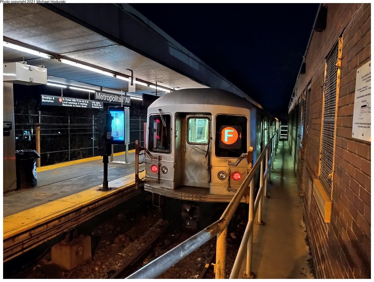 (556k, 1220x920)<br><b>Country:</b> United States<br><b>City:</b> New York<br><b>System:</b> New York City Transit<br><b>Line:</b> BMT Myrtle Avenue Line<br><b>Location:</b> Metropolitan Avenue<br><b>Car:</b> R-42 (St. Louis, 1969-1970)  <br><b>Photo by:</b> Michael Hodurski<br><b>Date:</b> 1/28/2021<br><b>Viewed (this week/total):</b> 2 / 689