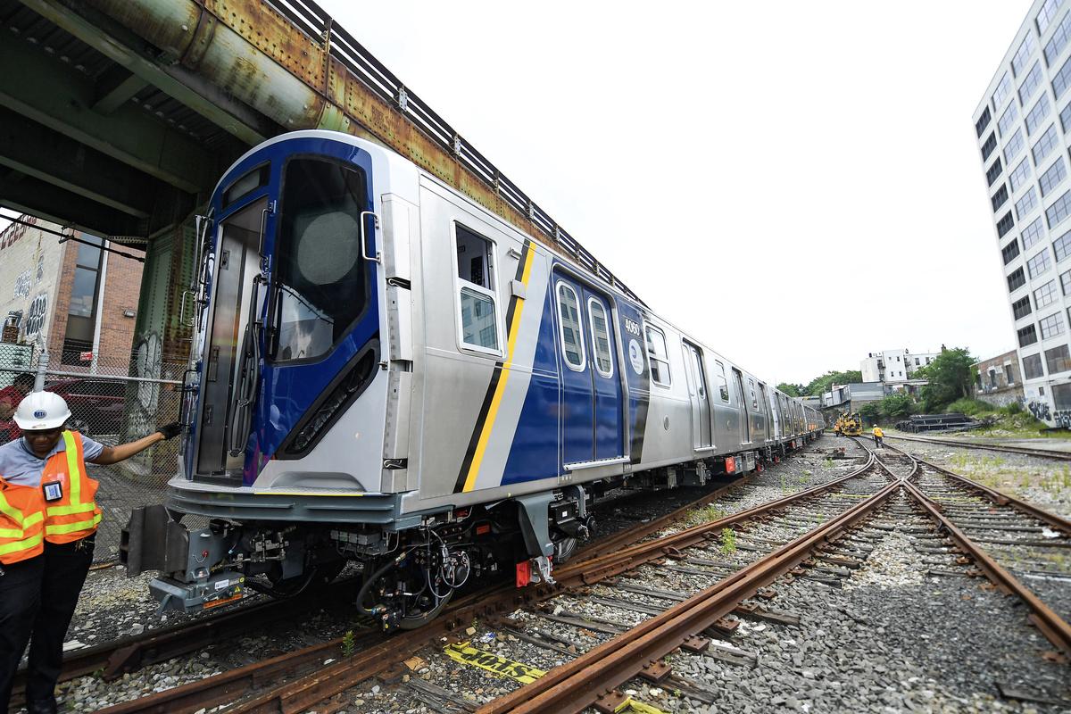 (495k, 1200x800)<br><b>Country:</b> United States<br><b>City:</b> New York<br><b>System:</b> New York City Transit<br><b>Car:</b> R-211 (Kawasaki, 2021-) 4060 <br><b>Photo by:</b> Marc A. Hermann / Metropolitan Transportation Authority<br><b>Date:</b> 7/1/2021<br><b>License:</b> <a href=https://creativecommons.org/licenses/by/2.0/>Creative Commons Attribution 2.0 Generic</a> via Flickr. <br><b>Notes:</b> Unveiling of the R-211 press event.<br><b>Viewed (this week/total):</b> 6 / 427