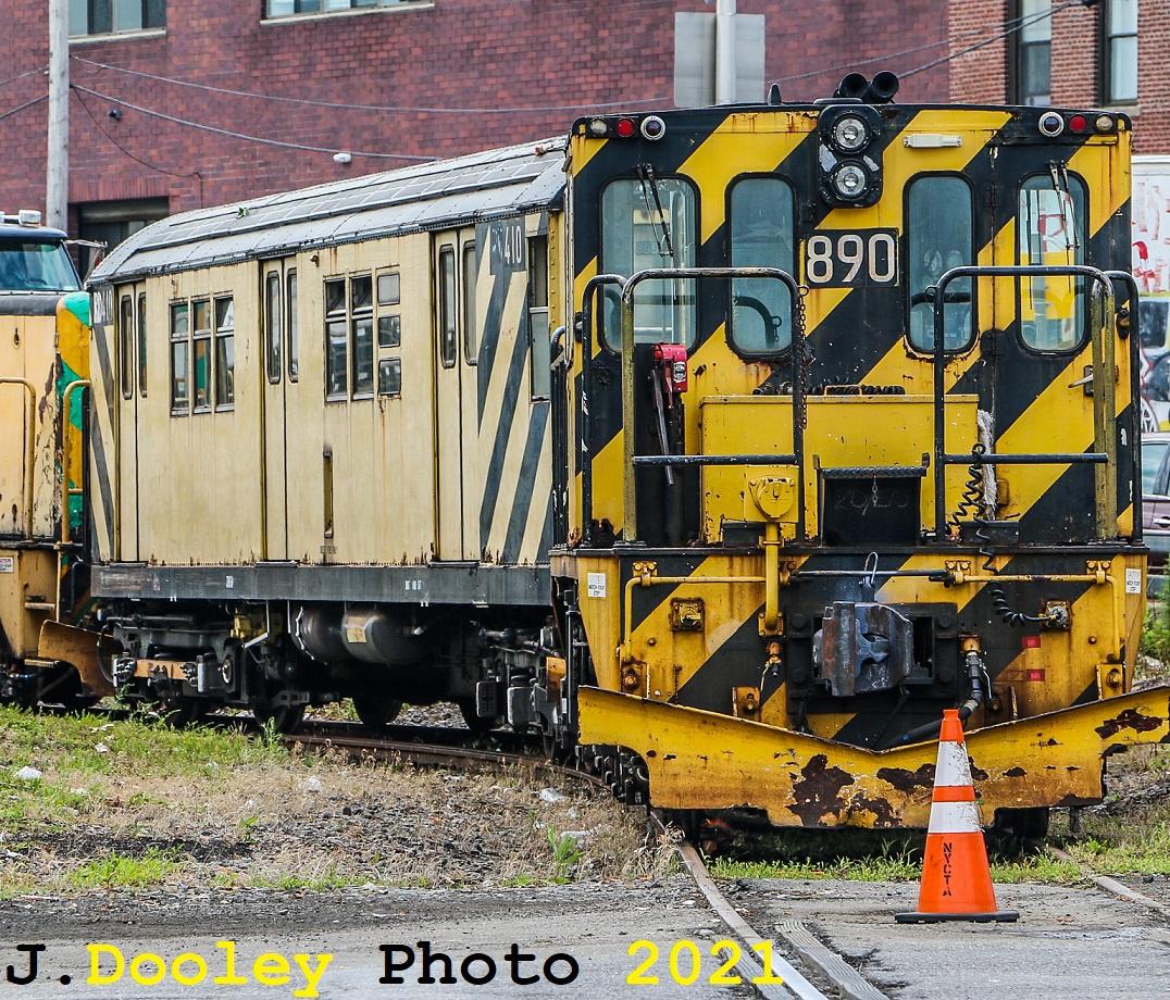 (581k, 1076x920)<br><b>Country:</b> United States<br><b>City:</b> New York<br><b>System:</b> New York City Transit<br><b>Car:</b> R-77 Locomotive 890 <br><b>Photo by:</b> John Dooley<br><b>Date:</b> 7/1/2021<br><b>Notes:</b> R-211 delivery and press conference.<br><b>Viewed (this week/total):</b> 3 / 183