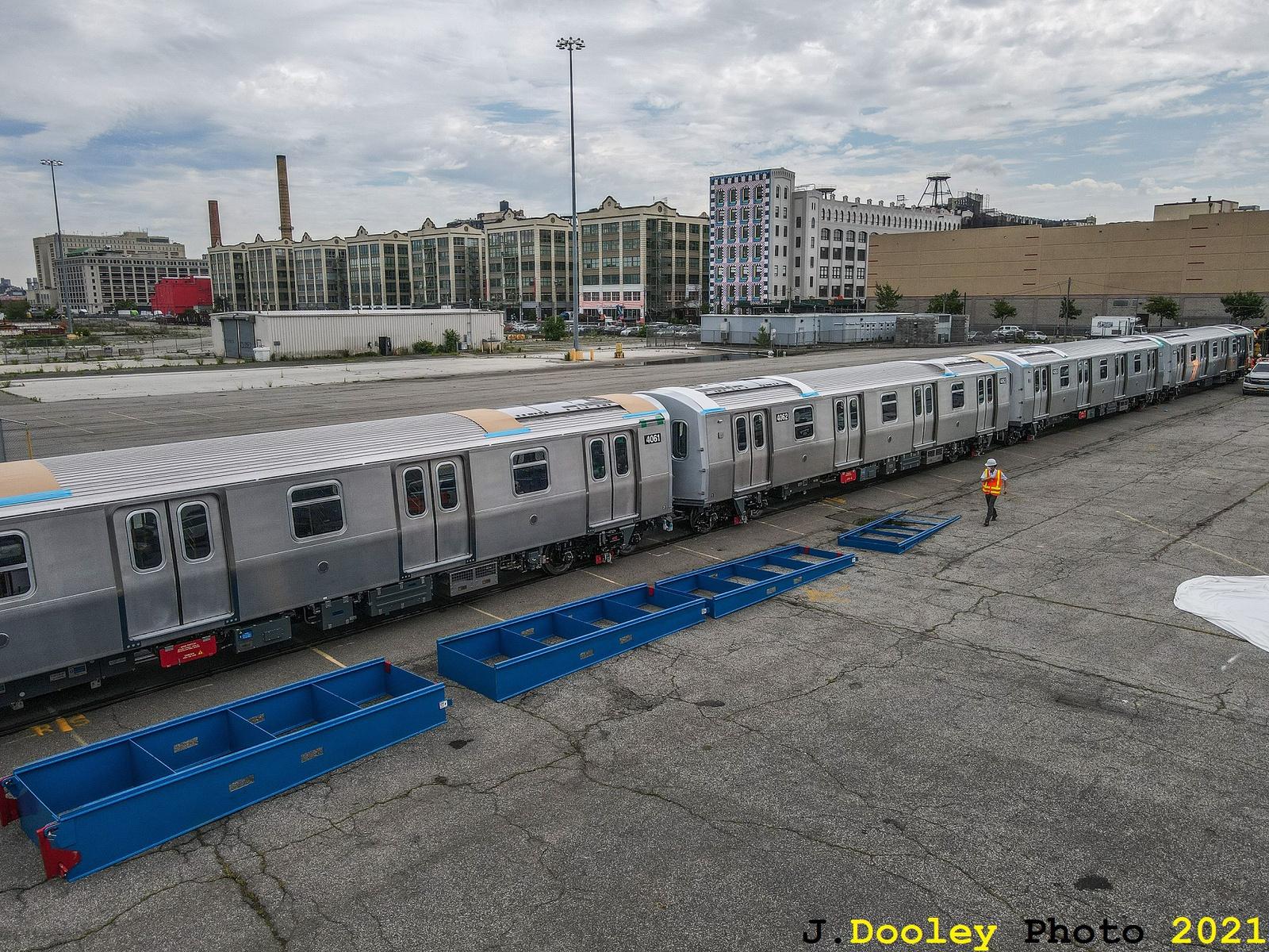 (1045k, 1600x1200)<br><b>Country:</b> United States<br><b>City:</b> New York<br><b>System:</b> New York City Transit<br><b>Car:</b> R-211 (Kawasaki, 2021-) 4061-4062 <br><b>Photo by:</b> John Dooley<br><b>Date:</b> 7/1/2021<br><b>Notes:</b> R-211 delivery and press conference.<br><b>Viewed (this week/total):</b> 3 / 285