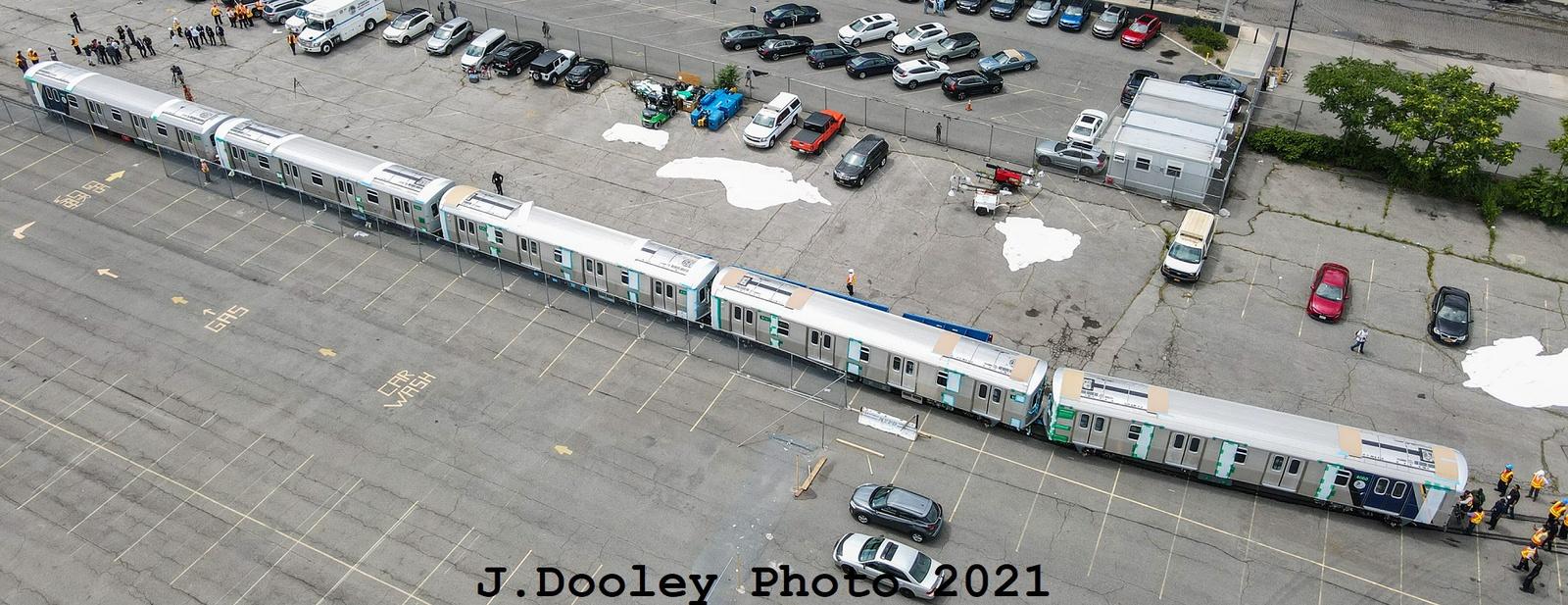 (519k, 1600x617)<br><b>Country:</b> United States<br><b>City:</b> New York<br><b>System:</b> New York City Transit<br><b>Car:</b> R-211 (Kawasaki, 2021-) 4060-4064 <br><b>Photo by:</b> John Dooley<br><b>Date:</b> 7/1/2021<br><b>Notes:</b> R-211 delivery and press conference.<br><b>Viewed (this week/total):</b> 0 / 328