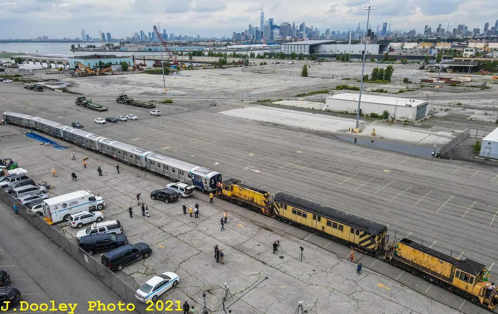 (846k, 1600x1011)<br><b>Country:</b> United States<br><b>City:</b> New York<br><b>System:</b> New York City Transit<br><b>Car:</b> R-211 (Kawasaki, 2021-)  <br><b>Photo by:</b> John Dooley<br><b>Date:</b> 7/1/2021<br><b>Notes:</b> R-211 delivery and press conference.<br><b>Viewed (this week/total):</b> 3 / 190