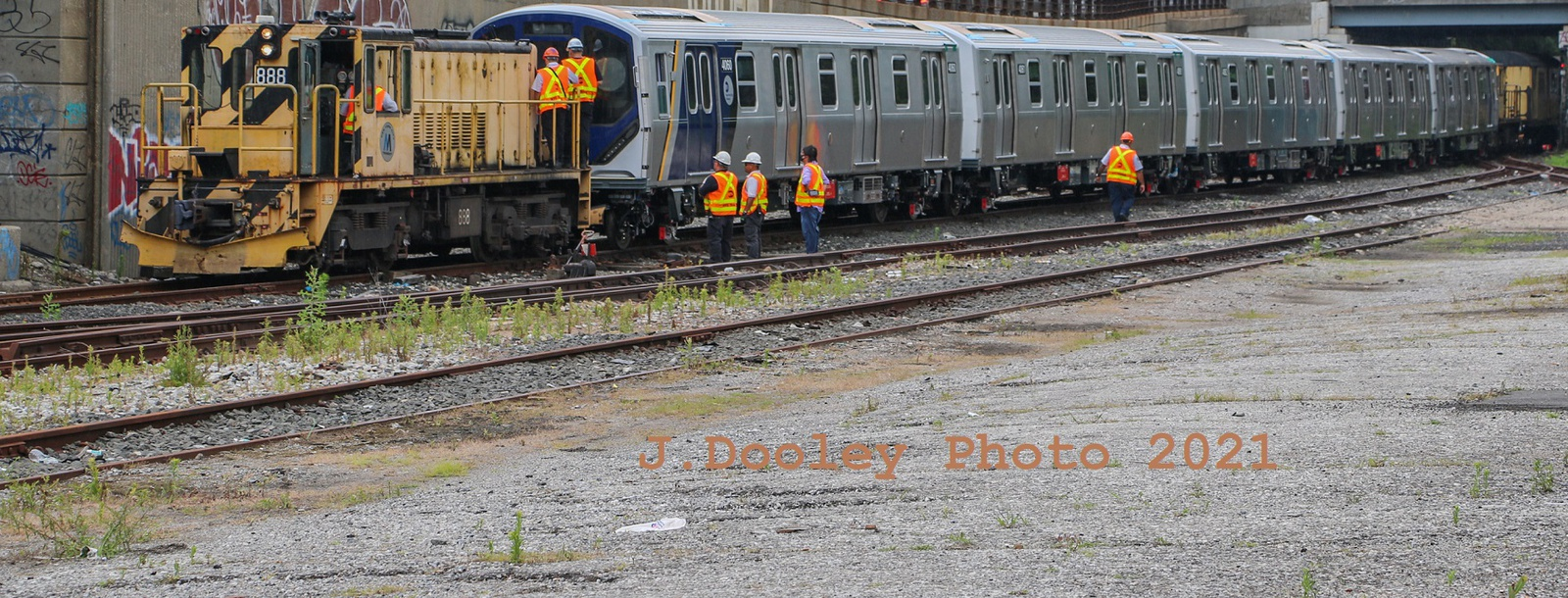 (567k, 1600x610)<br><b>Country:</b> United States<br><b>City:</b> New York<br><b>System:</b> New York City Transit<br><b>Car:</b> R-211 (Kawasaki, 2021-)  <br><b>Photo by:</b> John Dooley<br><b>Date:</b> 7/1/2021<br><b>Notes:</b> R-211 delivery and press conference.<br><b>Viewed (this week/total):</b> 0 / 244