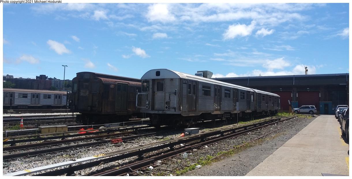 (348k, 1220x620)<br><b>Country:</b> United States<br><b>City:</b> New York<br><b>System:</b> New York City Transit<br><b>Location:</b> 207th Street Yard<br><b>Car:</b> R-32 (Budd, 1964) 3878 <br><b>Photo by:</b> Michael Hodurski<br><b>Date:</b> 6/13/2019<br><b>Viewed (this week/total):</b> 0 / 199