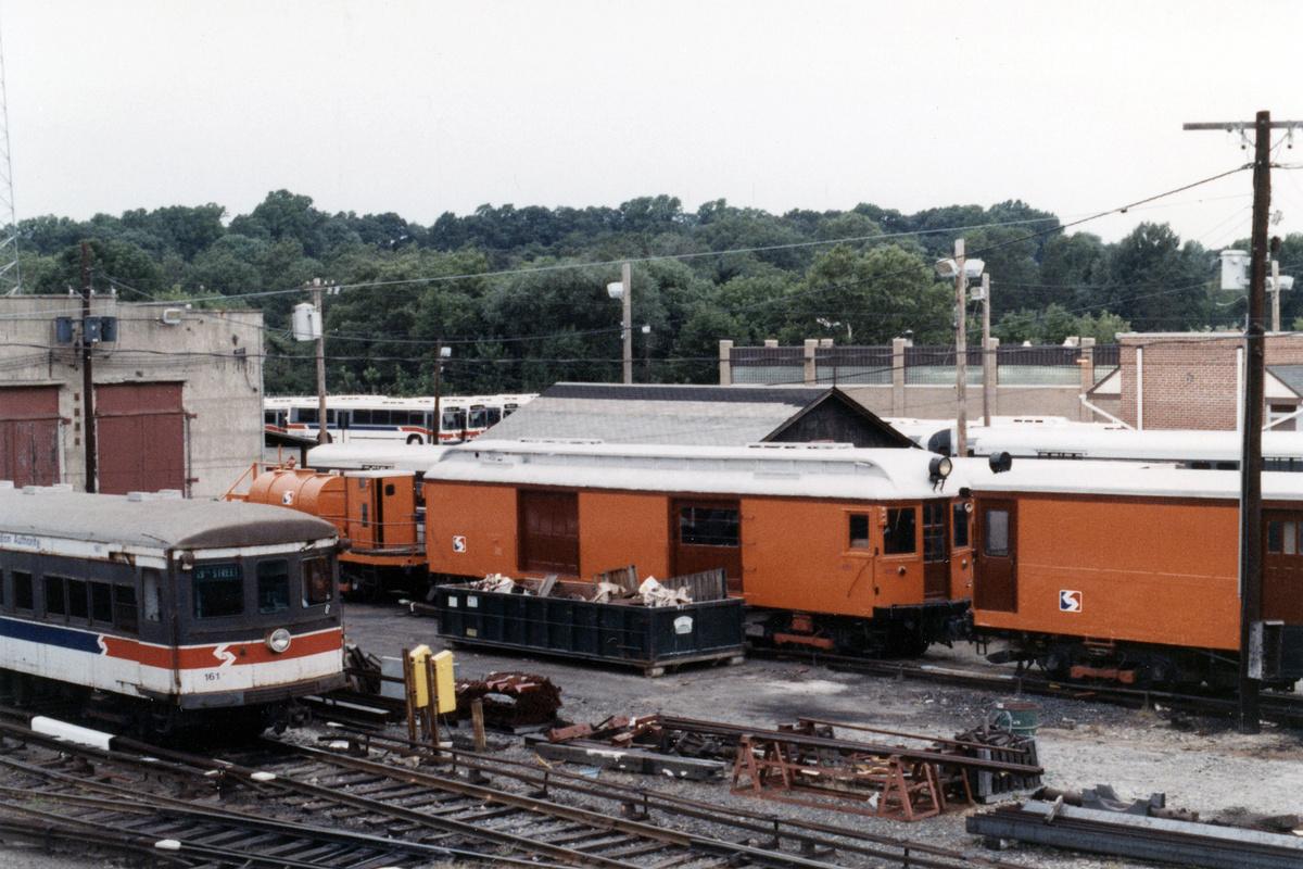 (476k, 1200x800)<br><b>Country:</b> United States<br><b>City:</b> Philadelphia, PA<br><b>System:</b> SEPTA (or Predecessor)<br><b>Line:</b> 100-Norristown<br><b>Location:</b> 72nd (69th) St. Yard-Norristown Line<br><b>Car:</b> PSTC Box Motor (St. Louis Car, 1907) 401 <br><b>Collection of:</b> David Pirmann<br><b>Date:</b> 1988<br><b>Notes:</b> Summer 1988<br><b>Viewed (this week/total):</b> 3 / 15