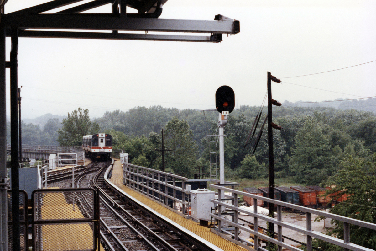 (474k, 1200x800)<br><b>Country:</b> United States<br><b>City:</b> Philadelphia, PA<br><b>System:</b> SEPTA (or Predecessor)<br><b>Line:</b> 100-Norristown<br><b>Location:</b> Norristown line-Loc. unknown.<br><b>Car:</b> SEPTA CTA (Ex-CTA 6000 Series) (St. Louis Car Co.) 487 <br><b>Collection of:</b> David Pirmann<br><b>Date:</b> 1992<br><b>Notes:</b> Summer 1992<br><b>Viewed (this week/total):</b> 5 / 20