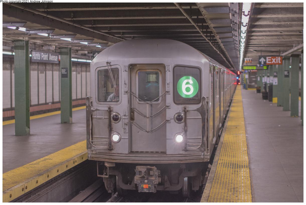 (395k, 1220x820)<br><b>Country:</b> United States<br><b>City:</b> New York<br><b>System:</b> New York City Transit<br><b>Line:</b> IRT Pelham Line<br><b>Location:</b> Hunts Point Avenue<br><b>Route:</b> 6<br><b>Car:</b> R-62A (Bombardier, 1984-1987) 1721 <br><b>Photo by:</b> Andrew Johnson<br><b>Date:</b> 10/27/2014<br><b>Viewed (this week/total):</b> 35 / 295