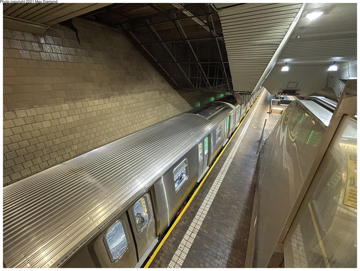 (518k, 1220x920)<br><b>Country:</b> United States<br><b>City:</b> New York<br><b>System:</b> New York City Transit<br><b>Line:</b> IND Queens Boulevard Line<br><b>Location:</b> Jamaica Center/Parsons-Archer<br><b>Route:</b> Testing<br><b>Car:</b> R-211 (Kawasaki, 2021-) 4060 <br><b>Photo by:</b> Max Diamond<br><b>Date:</b> 8/25/2021<br><b>Notes:</b> Clearance testing on the Queens Blvd line<br><b>Viewed (this week/total):</b> 3 / 143