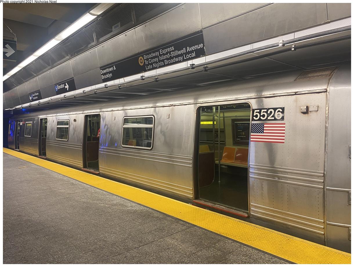 (443k, 1220x920)<br><b>Country:</b> United States<br><b>City:</b> New York<br><b>System:</b> New York City Transit<br><b>Line:</b> 2nd Avenue Subway<br><b>Location:</b> 96th Street<br><b>Route:</b> Q<br><b>Car:</b> R-46 (Pullman-Standard, 1974-75) 5526 <br><b>Photo by:</b> Nicholas Noel<br><b>Date:</b> 6/25/2021<br><b>Viewed (this week/total):</b> 6 / 59