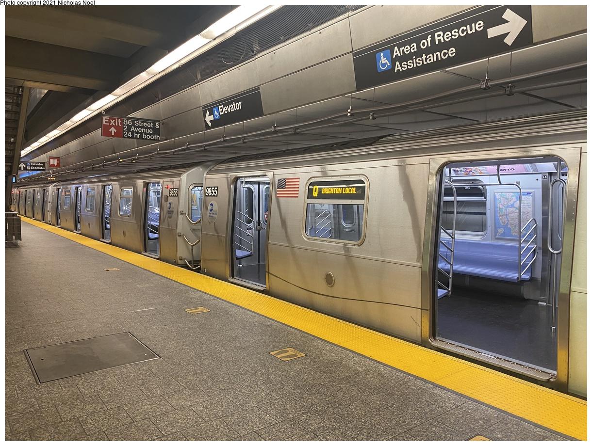(487k, 1220x920)<br><b>Country:</b> United States<br><b>City:</b> New York<br><b>System:</b> New York City Transit<br><b>Line:</b> 2nd Avenue Subway<br><b>Location:</b> 86th Street<br><b>Route:</b> Q<br><b>Car:</b> R-160B (Option 2) (Kawasaki, 2009) 9855 <br><b>Photo by:</b> Nicholas Noel<br><b>Date:</b> 7/13/2021<br><b>Viewed (this week/total):</b> 6 / 55