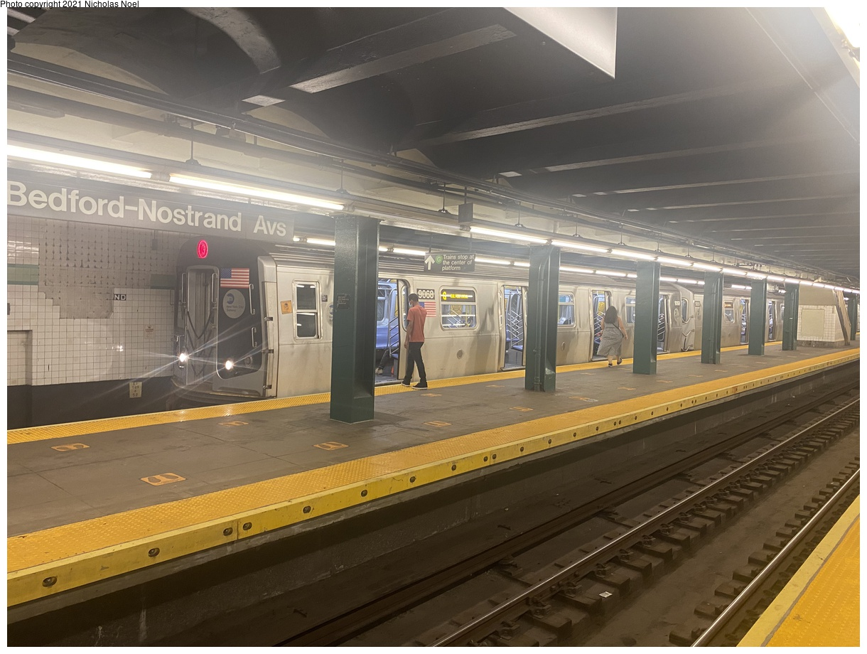 (355k, 1220x920)<br><b>Country:</b> United States<br><b>City:</b> New York<br><b>System:</b> New York City Transit<br><b>Line:</b> IND Crosstown Line<br><b>Location:</b> Bedford/Nostrand Aves.<br><b>Route:</b> G<br><b>Car:</b> R-160B (Option 1) (Kawasaki, 2008-2009) 9068 <br><b>Photo by:</b> Nicholas Noel<br><b>Date:</b> 8/14/2021<br><b>Viewed (this week/total):</b> 9 / 41