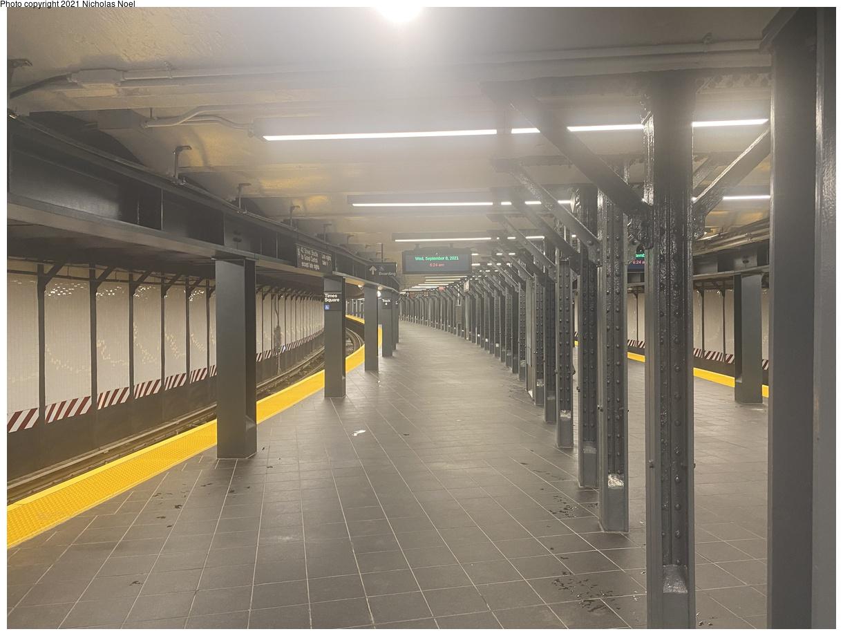 (334k, 1220x920)<br><b>Country:</b> United States<br><b>City:</b> New York<br><b>System:</b> New York City Transit<br><b>Line:</b> IRT Times Square-Grand Central Shuttle<br><b>Location:</b> Times Square<br><b>Photo by:</b> Nicholas Noel<br><b>Date:</b> 9/8/2021<br><b>Notes:</b> Renovated shuttle station - new island platform.<br><b>Viewed (this week/total):</b> 9 / 52