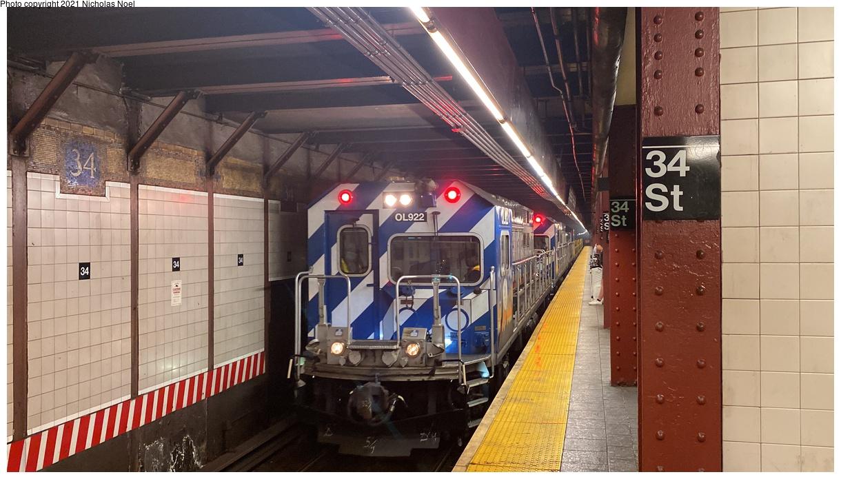 (330k, 1220x695)<br><b>Country:</b> United States<br><b>City:</b> New York<br><b>System:</b> New York City Transit<br><b>Line:</b> BMT Broadway Line<br><b>Location:</b> 34th Street/Herald Square<br><b>Route:</b> Work Service<br><b>Car:</b> R-156 Diesel-Electric Locomotive (MPI, 2012-2013) 922 <br><b>Photo by:</b> Nicholas Noel<br><b>Date:</b> 9/28/2021<br><b>Viewed (this week/total):</b> 9 / 52